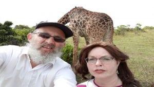 תמונה של לקוחות מרוצים מטיול ספארי לאפריקה בלתי נשכח